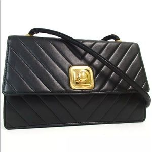 Chanel lambskin quilted CC closure Shoulder bag
